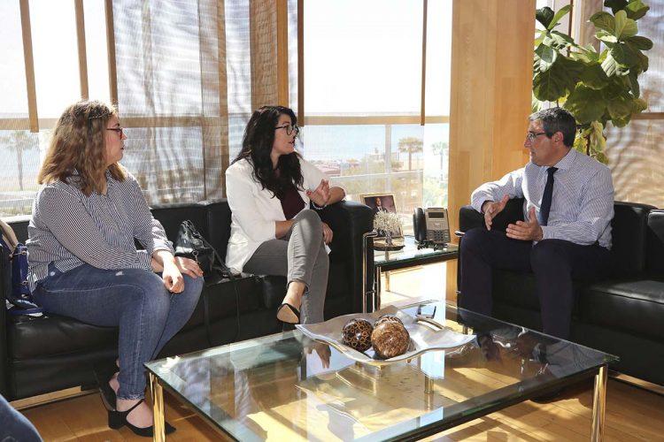 La Diputación realizará nuevos estudios hidráulicos antes de reponer el puente de acceso a la Cueva del Gato