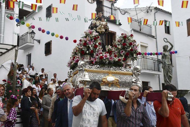 Los vecinos de Pujerra se volcaron en la celebración de San Antonio de Padua