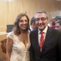 La alcaldesa de Ronda acompaña al presidente de la Diputación de Málaga en la investidura de la nueva Corporación
