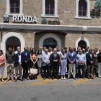 Alcaldes de la Serranía y el Campo de Gibraltar se reúnen en Ronda para exigir mejoras en las conexiones ferroviarias
