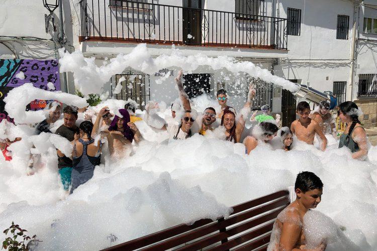 Los vecinos de Atajate se vuelcan en la celebración de su feria en honor a San Roque