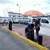 La Policía Local detiene a un hombre por destrozar con sus propias manos la barrera del Cuartel de la Concepción para salir del parking sin pagar