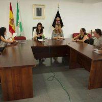 La alcaldesa de Benaoján respalda a la empresa afectada por la alerta sanitaria por listeria