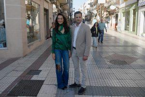 Los concejales socialistas Rafael Márquez y Fátima Fernández.