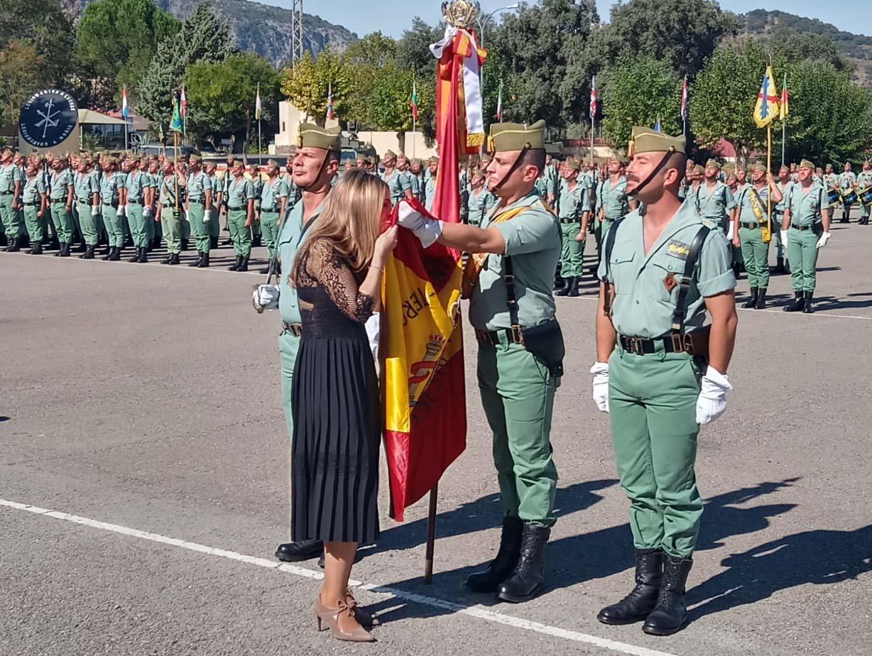 Jornada patriótica en el cuartel de la Legión con más de 700 ...