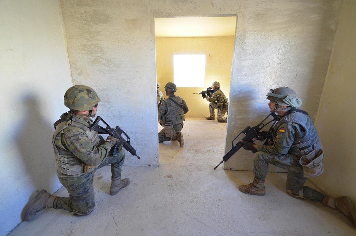 Soldados españoles, durante unos ejercicios. Foto: La Legión Española.