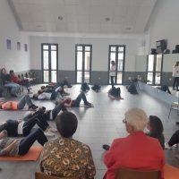 Una treintena de personas cuidadoras participan en un taller de autocuidados organizado por la Unidad de Gestión Clínica de Benaoján