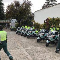 Medio centenar de agentes de la Escuela de Tráfico de la Guardia Civil hacen escala en Ronda durante su formación como motoristas