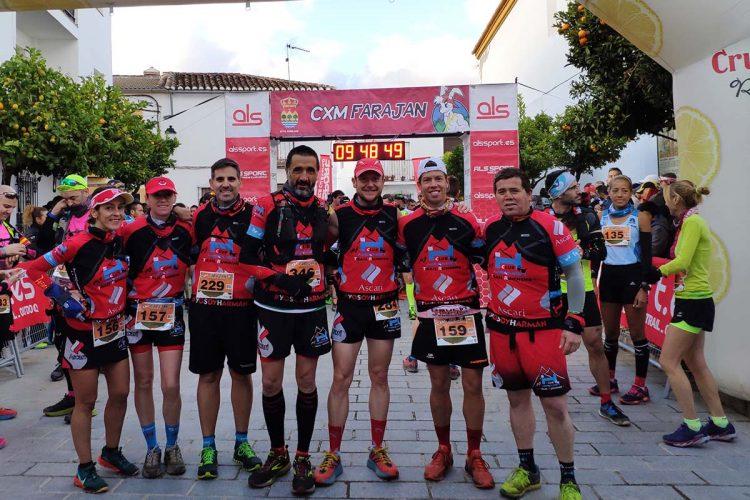 Los corredores del Club Harman Trail Running colocaron la bandera de Ronda en Faraján, Lisboba y Sanlúcar de Barrameda
