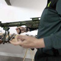 La Guardia Civil investiga a un vecino de Benaoján por hacerse con un arsenal de una veintena de rifles semiautomáticos