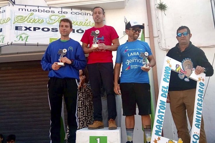 Gran carrera del corredor del Club Harman, Raúl Guerrero, en el XL Maratón del Pavo de Espera