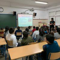 Ofrecen un taller sobre alimentación saludable en el colegio de Padre Jesús
