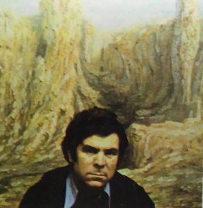 Imagen del pintor en su juventud con uno de sus cuadros.