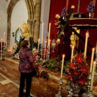 Cientos de fieles participan en la veneración de los titulares de la Hermandad de Padre Jesús