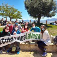 Más de 200 vecinos de Cañete la Real se manifiestan para expresar su rechazo a la instalación de una planta de placas solares