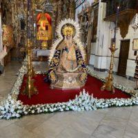 Los rondemos veneran a la Virgen de la Paz, la patrona de la ciudad, en el día en que se debía celebrar su procesión