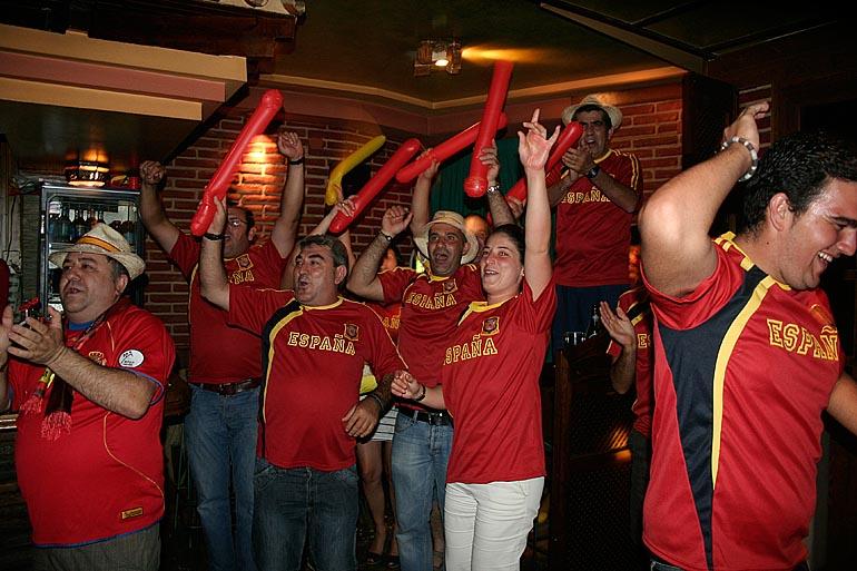 108_20100717/copa-del-mundo/futbol_campeones-del-mundo_20100629_004.jpg