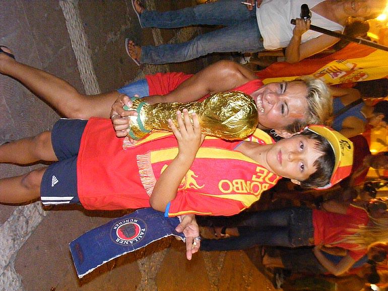 108_20100717/copa-del-mundo/futbol_campeones-del-mundo_20100711_045.jpg