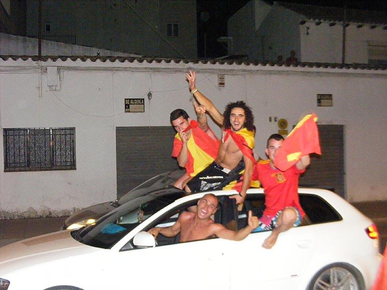 108_20100717/copa-del-mundo/futbol_campeones-del-mundo_20100711_051.jpg