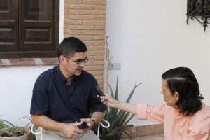 José Emilio durante la entrevista.