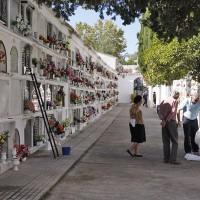 El Ayuntamiento acondiciona el cementerio de San Lorenzo de cara al día de Todos los Santos