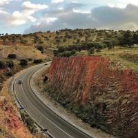 La carretera a la Costa del Sol mantiene un trazado altamente peligroso por sus curvas.