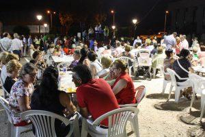 Numerosas personas participaron en la velada cofrade.