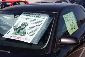 Carteles contra la política que mantiene Díaz.