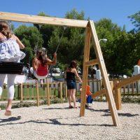 Parques y Jardines acondiciona todas las áreas infantiles con motivo de la crisis sanitaria