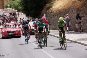 El grupo de los seis ciclistas escapados.