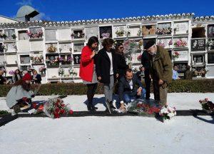 Autoridades en el homenaje.