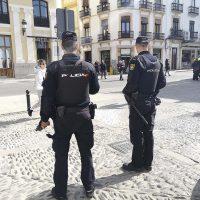 La Policía Nacional detiene a una pareja cuando intentaban vender cocaína en un supermercado de Ronda
