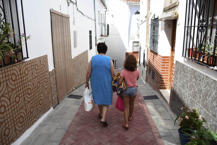 Las familias de pueblos serranos menores de 5.000 habitantes podrán beneficiarse de las ayudas del 'cheque bebé' de la Diputación