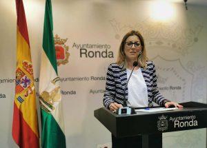 La concejal de Economía en la rueda de prensa.