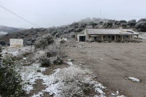 Otra estampa que ha dejado la nevada de la tarde de este lunes.