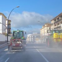 La Concejalía de Medio Ambiente, con la colaboración de agricultores, desinfectará este sábado las calles rondeñas para combatir el Covid
