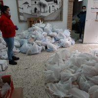 La Delegación de Bienestar Social y Cruz Roja realizarán este viernes un nuevo reparto de alimentos a familias con escasos recursos