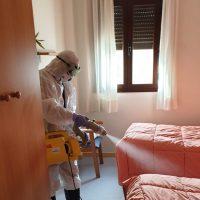 Realizan una desinfección preventiva en la Residencia de Ancianos 'Valle del Genal' de Faraján