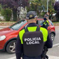 La Policía Local levanta acta por segunda vez a un establecimiento por servir bebidas en su terraza a 25 personas