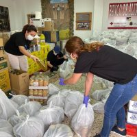 Bienestar Social y Cruz Roja reciben quince toneladas de alimentos para familias con escasos recursos