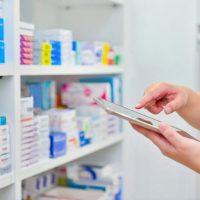 La Unidad de Farmacia del Hospital de la Serranía acerca medicamentos de uso hospitalario a casi 150 pacientes