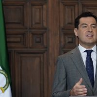 Juanma Moreno denuncia que provincias del País Vasco y Cataluña han pasado a la fase 2 con peores datos sanitarios que Málaga y Granada