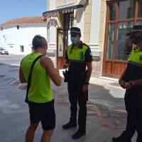 La Policía Local sanciona a veinte personas por no llevar puestas las mascarillas