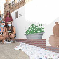 El municipio serrano de Cartajima se engalana para este verano con el proyecto 'fachadas creativas'