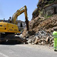 La Junta de Andalucía realiza mejoras en la carretera A-369 a su paso por la travesía de Algatocín