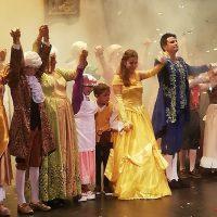La actividad cultural regresa al Teatro Vicente Espinel con el espectáculo musical 'Bella y Bestia'