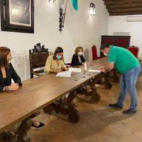 El Ayuntamiento entrega a quince colectivos sociales 125.000 en subvenciones para que puedan realizar su labor solidaria