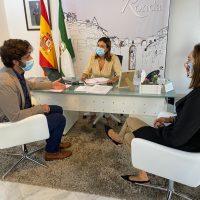 La Diputación anima a entidades sociales de la Serranía a participar en sus convocatorias de subvenciones, dotadas con 1,8 millones de euros