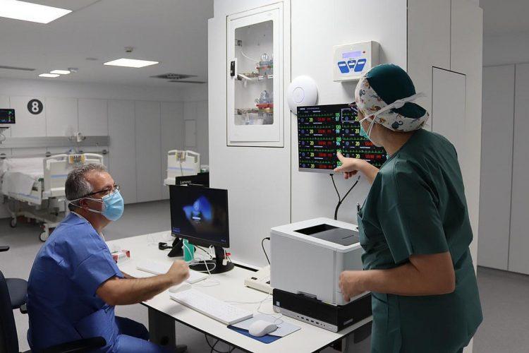 La Covid deja un nuevo fallecimiento en la Serranía y mantiene alta la presión asistencial en el Hospital
