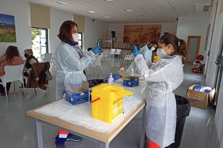 Andalucía amplía esta semana las vacunas Covid a personas con 45 y 46 años de edad